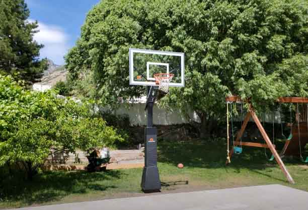 how to remove a basketball hoop 2021